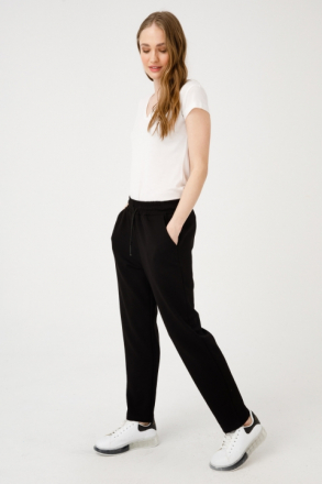 On Women's Pipe Trousers