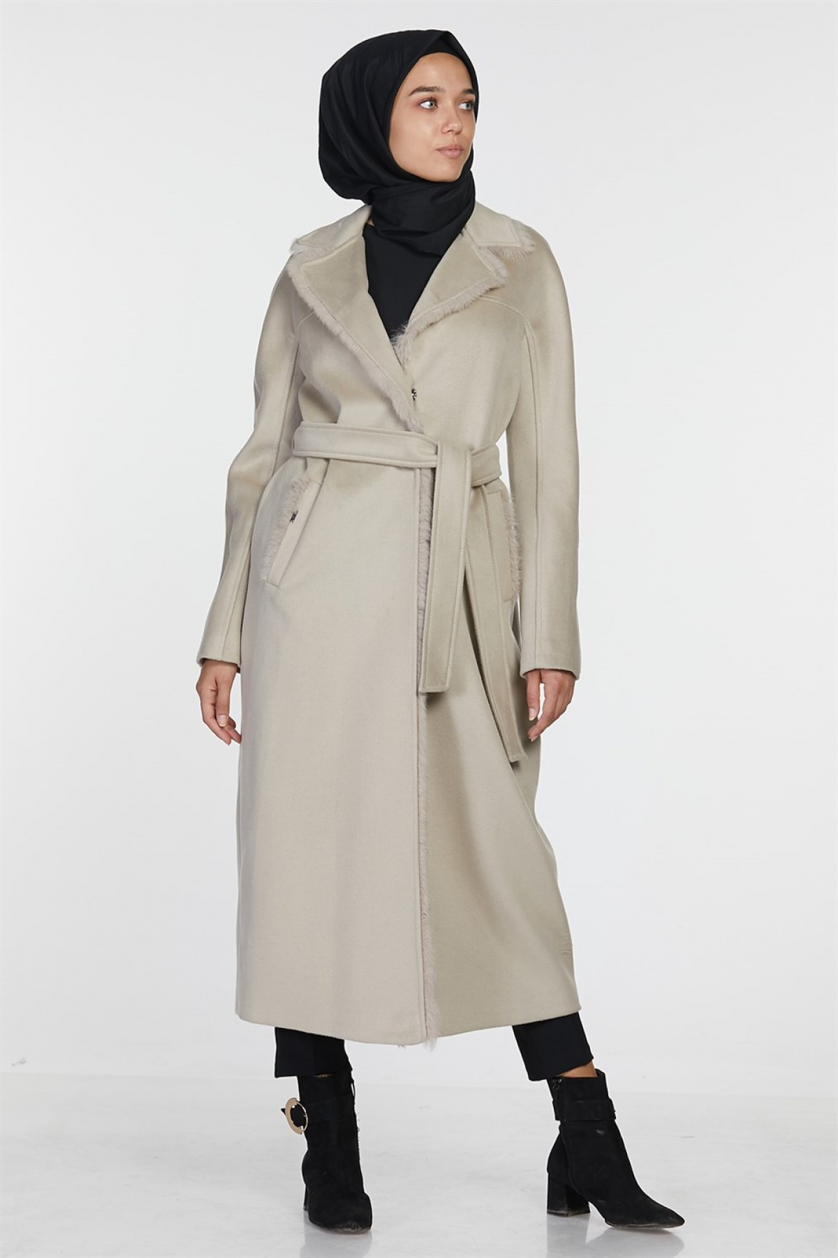 Armine Women's Manto/ Coat -   Beige