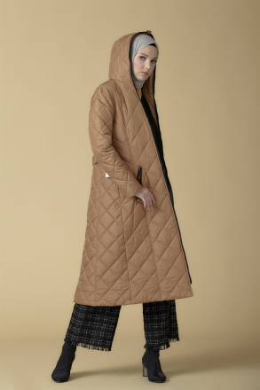 Armine - Women's Quilted Cape -